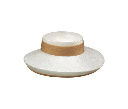 Parasisal and sisal ceremony hat